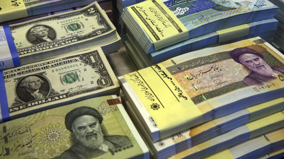 هل ينهار الاقتصاد الإيراني بفعل العقوبات الأمريكية؟