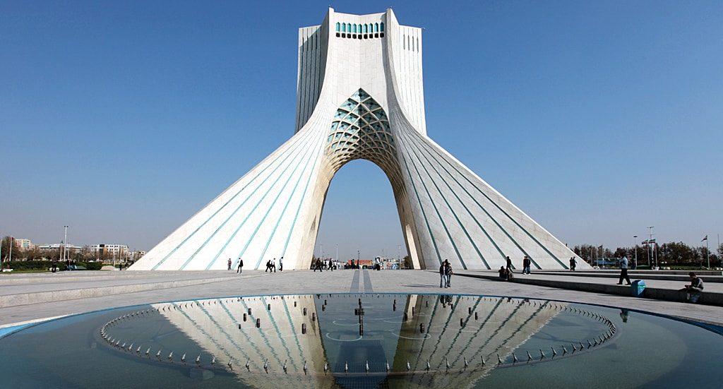 إذا أردت أن تتعلم مبادئ الشؤون الإيرانية فالتحق بنا