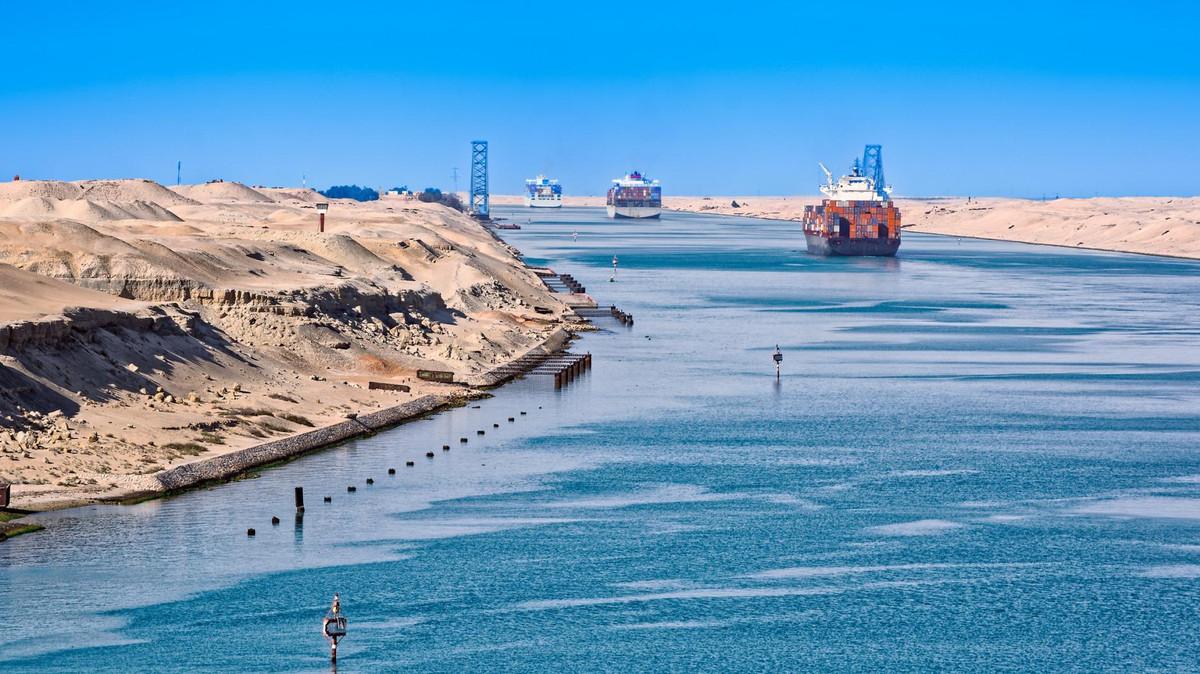 هل يمكن لإيران الاستفادة من مشروع قناة السويس المصرية لإنقاذ اقتصادها؟!