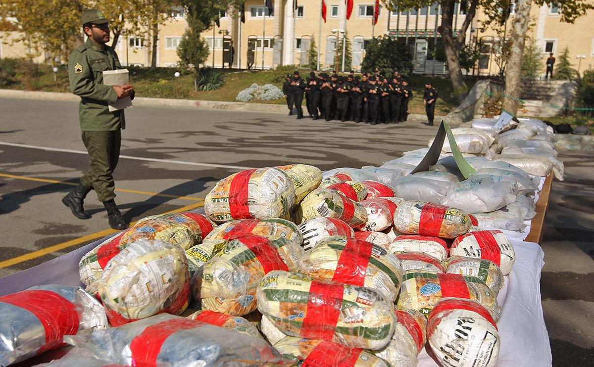 إتجار سياسي: طريقة الحرس الثوري الذكية لترويج المخدرات بإيران