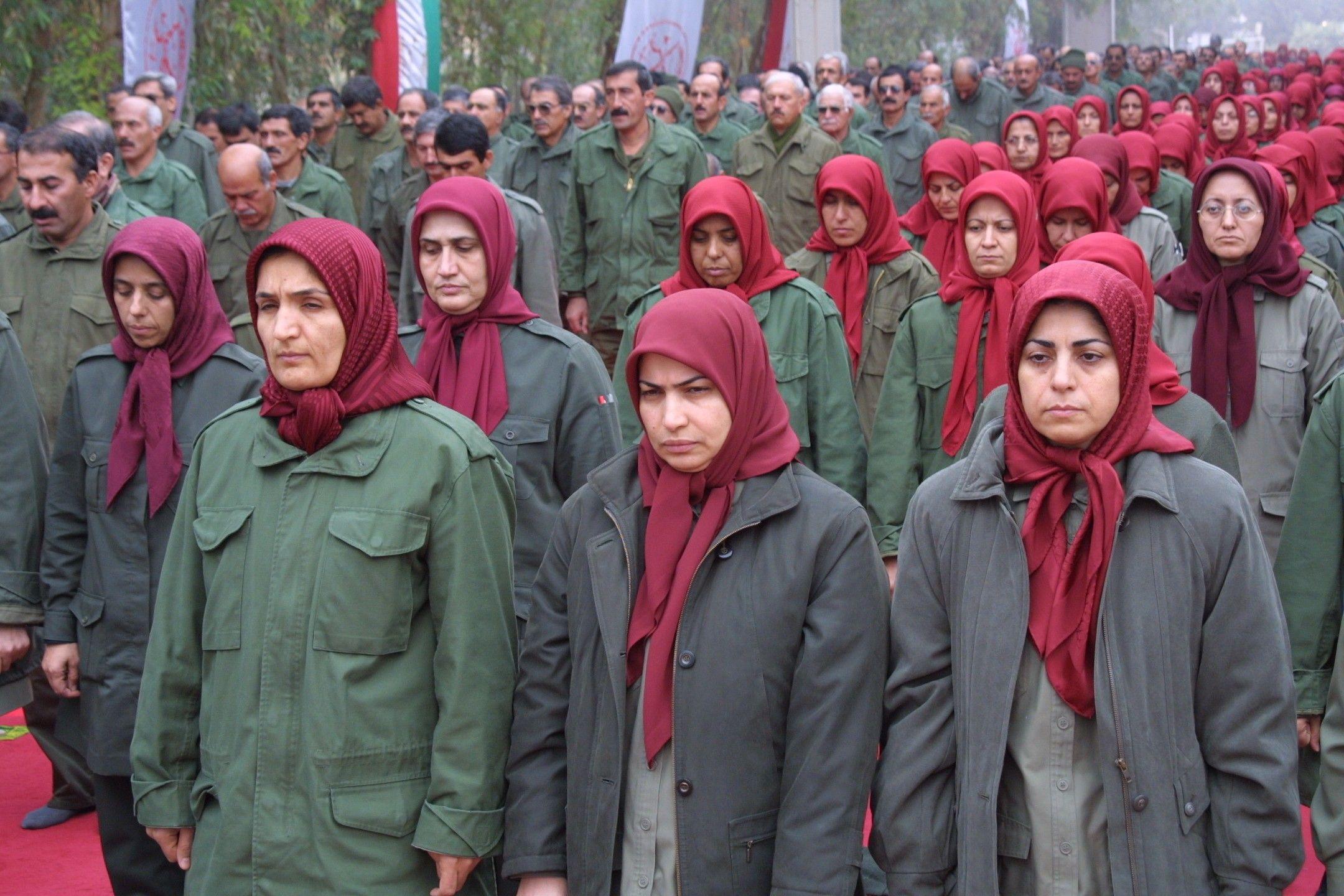 """هل تصلح جماعة """"مجاهدي خلق"""" لحكم إيران حال سقوط ولاية الفقيه؟"""