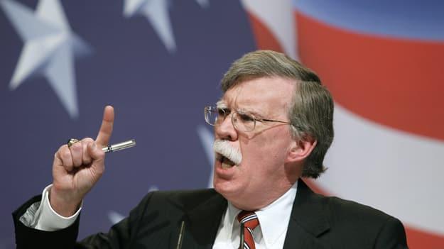 بولتون إذ يشدد العقوبات الأمريكية على إيران