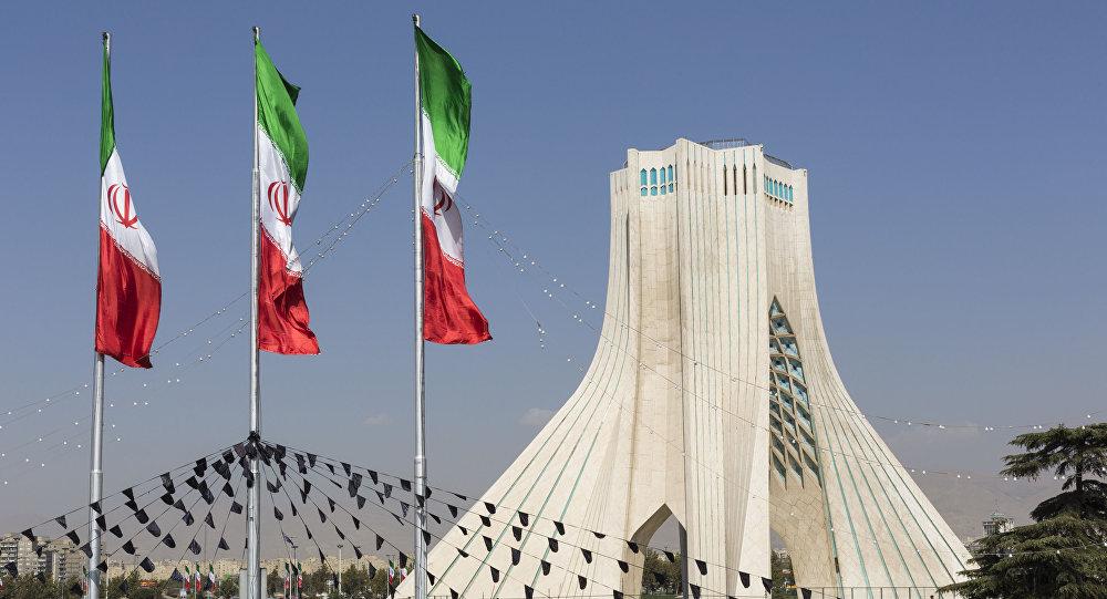 دَزِّينة سنوات في قلب الشؤون الإيرانية