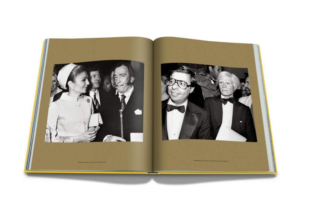 الكتاب من الداخل وفيه صورة لفرح ديبا مع الفنان التشكيلي الأسباني سلفادور دالي