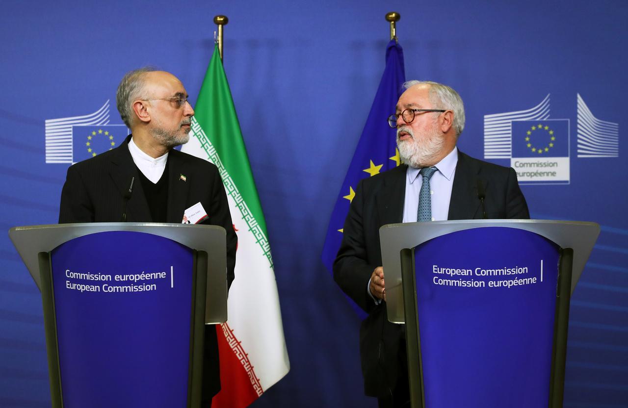 الرهان الخاسر: كيف تخلت أوروبا تدريجيًا عن دعم إيران؟