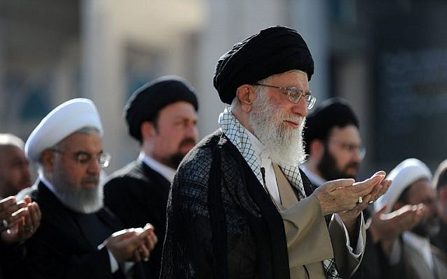 الصبر والنصر: قراءة في مذكرات المرشد الإيراني على خامنئي