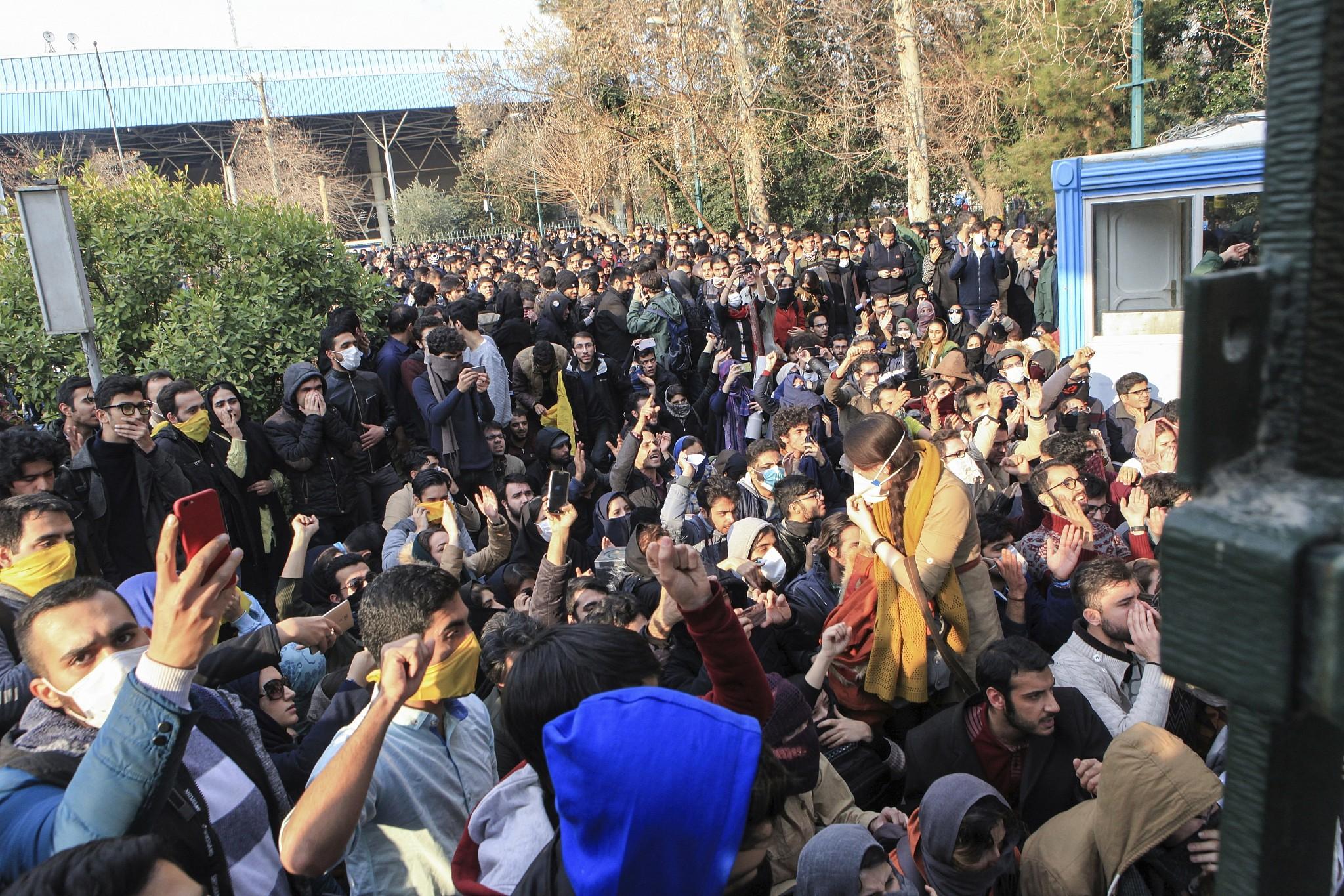 إيران بين حركتين احتجاجيتين: دراسة في الأبعاد الجيوبولوتيكية والمحددات الفيوتشرولوجية