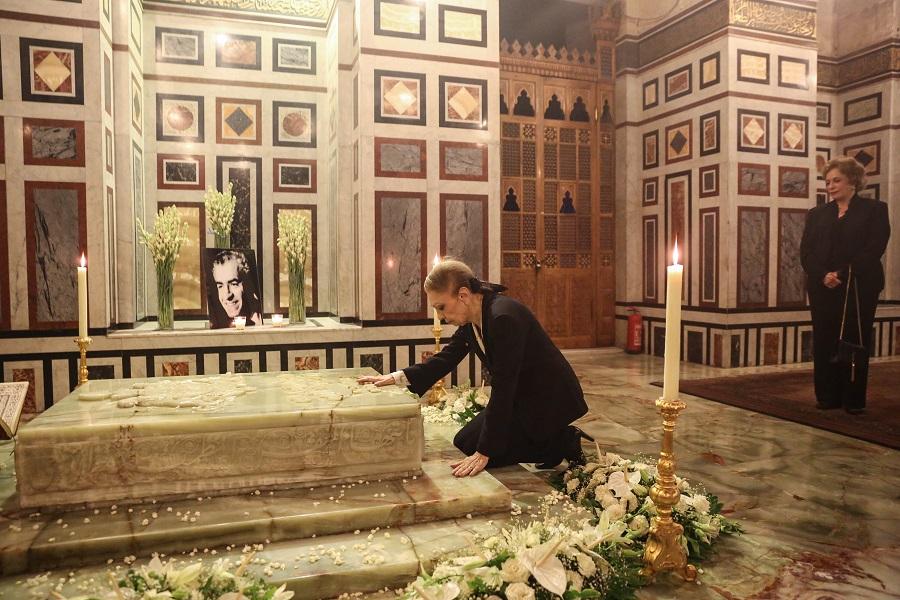 رسالة إمبراطورة إيران الأخيرة فرح بهلوى بالذكرى الأربعين لوفاة الشاه محمد رضا بهلوي