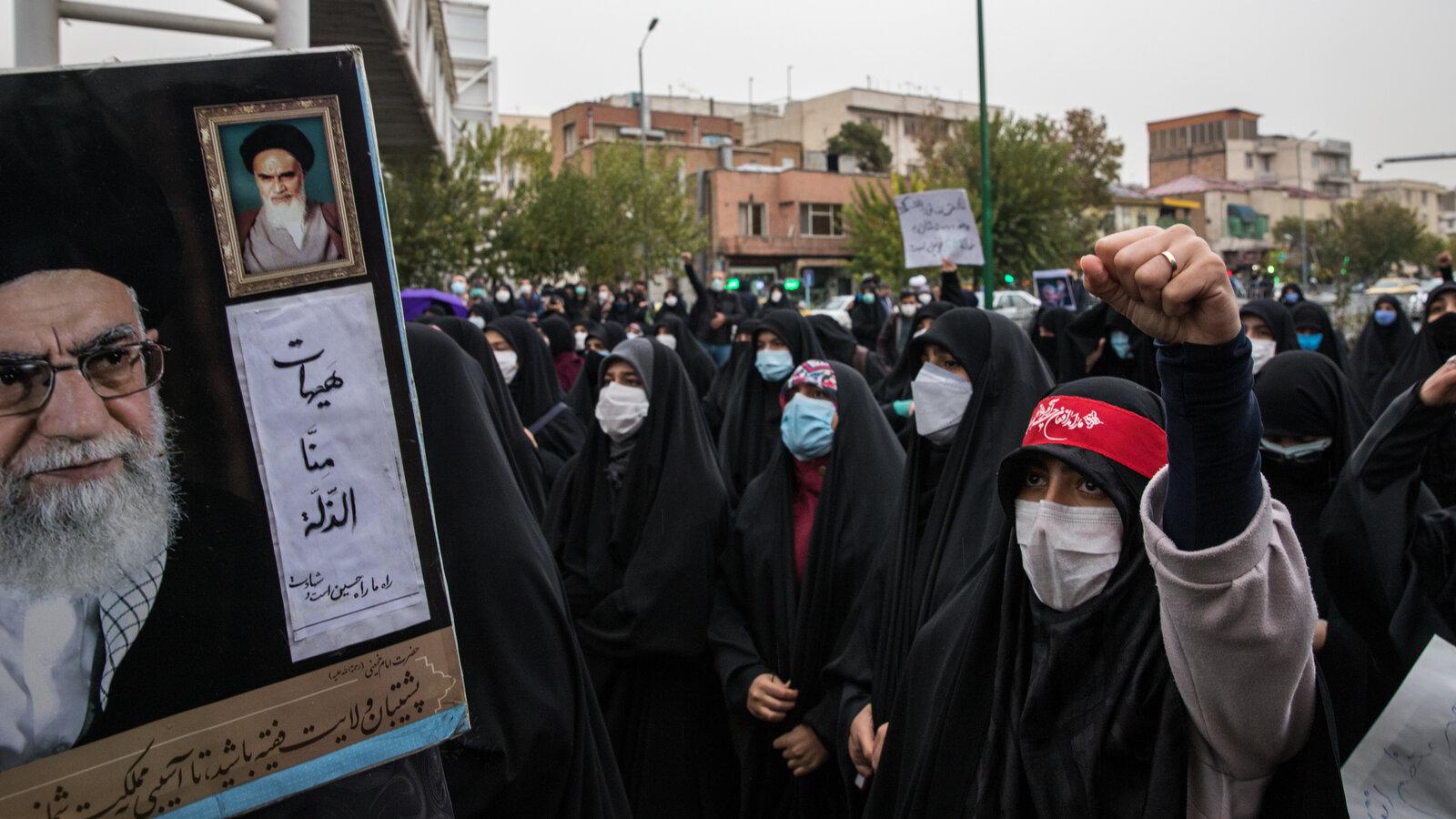 هل تحتاج إيران إلى إعادة فكرة فتح الجدار مع العالم؟!