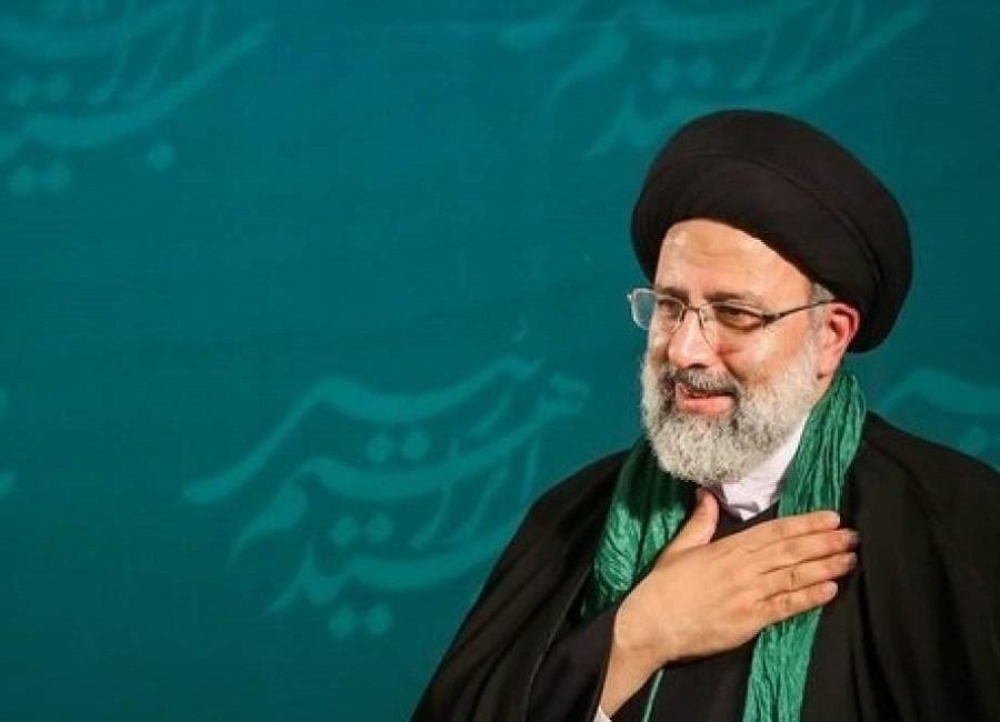 رئيس إيران القادم اتهمه روحاني بأنه لا يعرف إلا السجن والإعدامات
