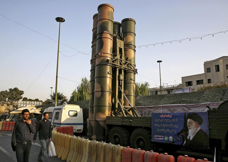 دور التسليح في الصراع الإيراني ـ الأمريكي: دراسة حالة على منظومات الدفاع الصاروخية الروسية