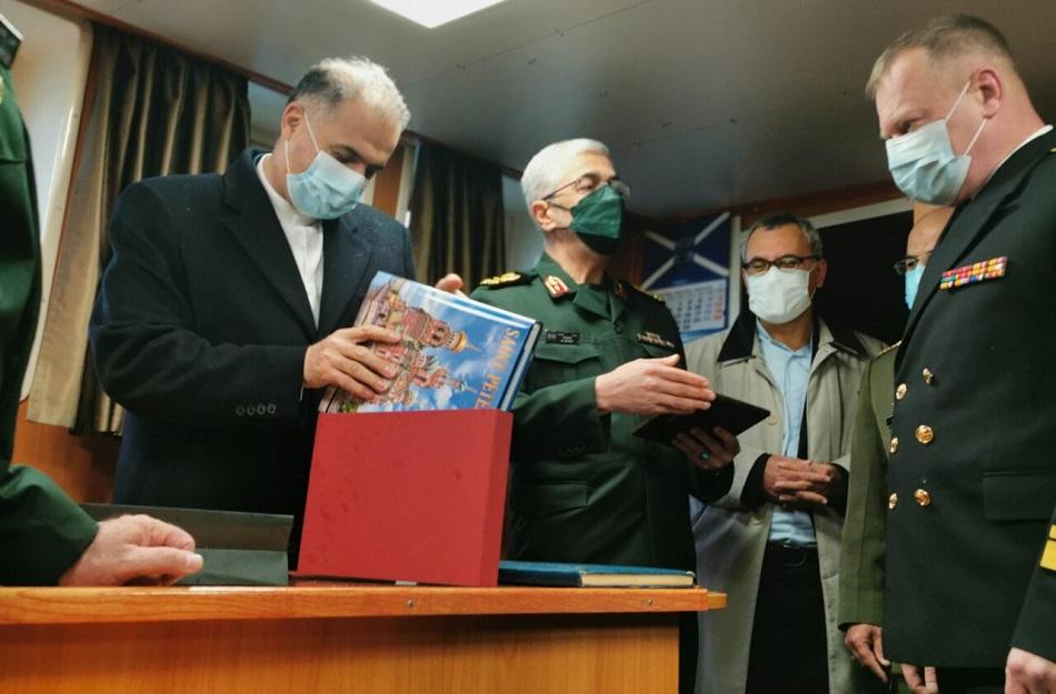 """""""الدبلوماسية الدفاعية"""" وسيلة إيران الجديدة للبحث عن الأمن والسلاح"""
